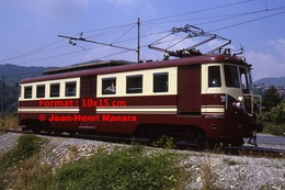 Reproduction Photographie D´un Train à Voie étroite Ferrovia Genova Casella Sur Voie à Gènes En Italie En 1984 - Riproduzioni