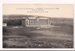 - 12 - AUBRAC : Au Pays Des Narcisses - Le Royal Hôtel - Vaches Au Pâturage - - France
