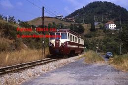 Reproduction Photographie D'une Vue D´un Train N°A6 à Voie étroite Ferrovia Genova Casella à Gènes En Italie En 1984 - Riproduzioni