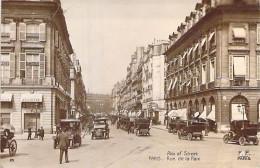 """75 - PARIS ( 2° ) Rue De La Paix ( Nombreuses Automobiles D'époque En Bon Plan : Tacots )  CPA """" Vernie """" - Seine - Arrondissement: 02"""