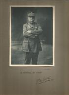 Photographie Dédicacée , 19 X 14 Sur Support 32.5 X 25 , Militaria , Le Général DE LOBIT , Frais Fr : 1.55€ - Dédicacées
