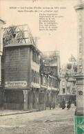 DINAN - LES PORCHES - VIEILLES MAISONS DU XIIIe SIECLE - APRES L'INCENDIE DES 3 ET 4 FEVRIER 1907 - Dinan
