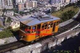 Reproduction Photographie D´un Tramway Ferrovia Genova Casella Avec Passagers Dans Les Hauteurs De Genova En Italie - Riproduzioni