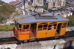 Reproduction Photographie D´un Tramway Ferrovia Genova Casella Circulant Dans Les Hauteurs De Genova En Italie En 1984 - Riproduzioni