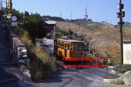 Reproduction Photographie D´un Tramway Ferrovia Genova Casella Descendant Les Rue Dans Gènes En Italie En 1984 - Riproduzioni