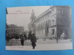Bologna - Piazza  Nettuno. - Plazzo Comunale. - Bologna