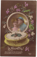CPA FANTAISIE MILITAIRE 1918 / JEUNE FEMME ET MILITAIRE - LA HOUPETTE - Guerre 1914-18