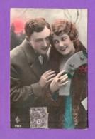 CPA  FANTAISE  COUPLES  ~  6549  Couple Avec Fer à Cheval 1  ( ARS ) - Autres