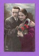 CPA  FANTAISE  COUPLES  ~  6559  Couple Avec Fer à Cheval   ( ARS ) - Fantaisies