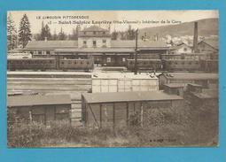 CPA - Chemin De Fer Trains Intérieur De La Gare SAINT-SULPICE-LAURIERE 87 - France