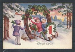 +++ CPA - Carte Fantaisie - Voeux - Enfants - Trèfle - Fer Chance Bonheur - Luge Neige  // - Nouvel An