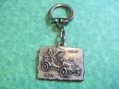 Automobile/ FIAT/Au Petit Monde/St Lô/ Carentan/ Caen /Normandie/Années 60    POC172 - Key-rings