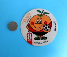 FIFA FOOTBALL WORLD CUP SPAIN '82. * MASCOT NARANJITO - Vintage Sticker * ESPANA 1982. Coupe Du Monde Fussball Futbol - Apparel, Souvenirs & Other