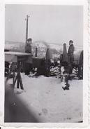 Foto Deutsche Soldaten Mit Historischem Geschütz - 2. WK - 8*5cm (25868) - Krieg, Militär