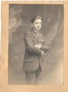 P64 Photo De Jeune Homme Signée Waléry Paris Vers 1900 100x147 - Oud (voor 1900)