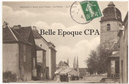 70 - MENOUX - Sortie De La Messe - La Mairie - La Fontaine ++++++ Sans éditeur +++++ RARE - France