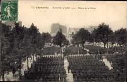 Cp Charleville Ardennes, Revue Du 14 Juillet 1910, Retour De La Revue, Soldaten - Altri Comuni