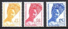 Senegal 1038/40 Elégance - Cultures
