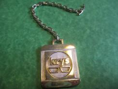 Optique/ Opticiens KRYS// J Curti / Années Soixante    POC191 - Key-rings