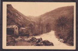 12  VILLEFRANCHE De ROUERGUE  Gorges De L´Aveyron  Vers 1930 - Villefranche De Rouergue