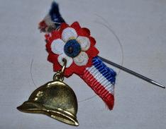 Rare Petite épinglette Complète Patriotique - 1914-18