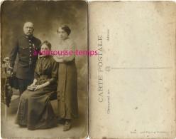 2sur2-carte Photo -officier De Marine En Famille-6e Régiment-médaille - Guerre, Militaire
