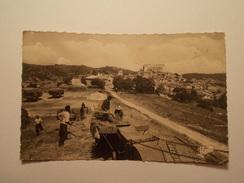 Carte Postale - GREOUX LES BAINS (04) - Place Des Haires - Années 1950 (370) - Gréoux-les-Bains