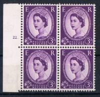 Bloque De 4 Sellos 3 D, Reina Elisabeth II,  Yvert Num 331 ** - 1952-.... (Elizabeth II)