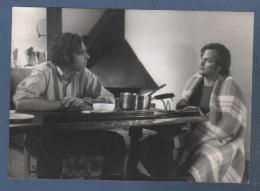 PHOTOGRAPHIE DE PLATEAU FILM VOYAGE EN GRANDE TARTARIE DE JEAN CHARLES TACCHELLA 1973 - LOU CASTEL ET JEAN LUC BIDEAU - Photographs
