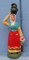 Santon Femme Avec Pot Sur La Tête Et Panier à La Main (non Signé) - Sculptures