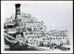 1967 LARGE PHOTO FOTO F366 NAVIO DE GUERRA PORTUGAL WAR SHIP CREW ALVARES CABRAL - Places