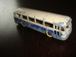 Dinky Toys    Autocar  Chausson - Oud Speelgoed