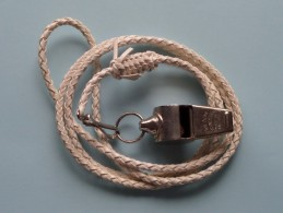 WHISTLE - SIFFLET - FLUIT - FLÖTE Boy Scouts ( The ACME Thunderer / Made In England ) Zie Foto Voor Detail ! - Scoutisme