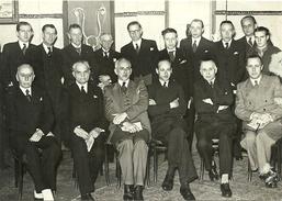 Groepsfoto Met Volksvertegenwoordigers Baron Vander Straten -Waillet En G. Loos 27 Oktober 1946 (167x118mm) - Identified Persons