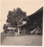 SUISSE  - CANTON DE BERNE - MÜSINGEN - 1 PHOTO ORIGINALE 1953 - 5,5x6 Cms - Lieux