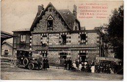 Bagnoles De L´Orne : Hôtel Moderne, Café-restaurant De La Gare GUIRAL (voiture Ancienne) - Bagnoles De L'Orne
