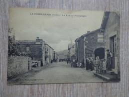 CPA 85 LA POMMERAIE RUE DE POUZAUGES - France