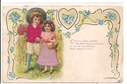 Deux Enfants En Costume En Tissu. - Groupes D'enfants & Familles