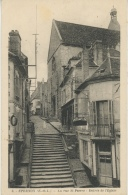 EPERNON - La Rue St Pierre - Entrée De L'Église - Epernon