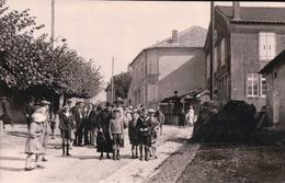 Photo Carte 14,3x9,1 Cm EULMONT Rue Très Animée - Autres Communes