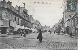 VIERZON PLACE D'ARMES BIEN ANIMEE 1920 EDITION L. FAURE - Vierzon