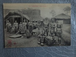 VIET NAM LANG BIAN TYPES DE MOIS - Viêt-Nam