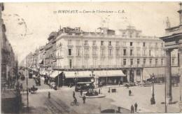 119. BORDEAUX . HOTEL DE VILLE . TRES ANIMEE . FRANCH MILITAIRE . 1 TRACE DE PLI . 2 SCANES - Bordeaux
