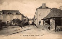 ROCHEFORT EN TERRE ENTREE DE LA VILLE - Rochefort En Terre