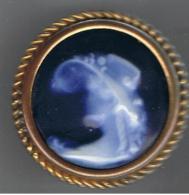 Broche  Porcelaine  Femme Art Déco   50 Mm - Broches