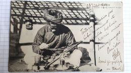 CPA -  Viet-Nam - TONKIN  - Fumeur D'Opium Nettoyant Sa Pipe1904 - Viêt-Nam
