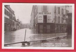 Courbevoie  --  Innondation 1910  --  La Place Victor Hugo - Courbevoie