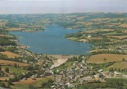 Villefranche-de-Panat (12) : Le Village Et Le Lac - Frankreich