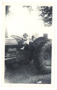 Photo Enfant Sur Tracteur - Photos