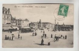 CPA DUNKERQUE (Nord) - MALO LES BAINS : Place Du Kursaal - Dunkerque